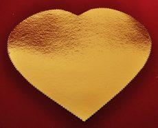 Tortaalátét 33 cm szív alakú arany