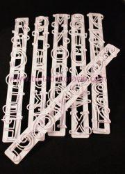 Írott betű és szám kiszúró készlet